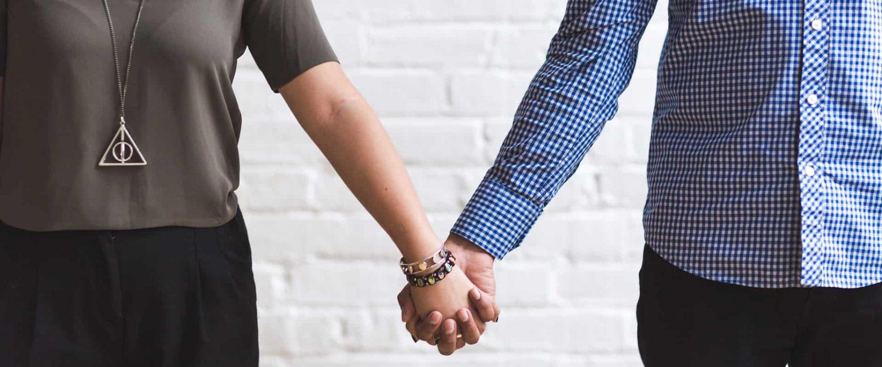 couple-2424928_1920